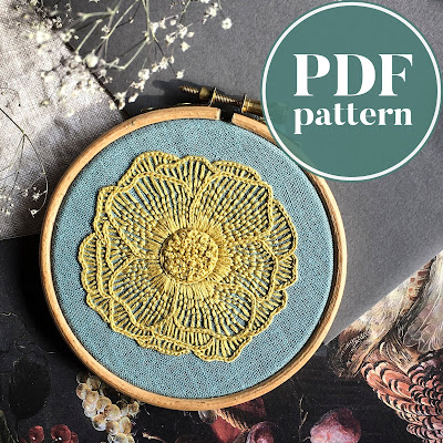 Single Flower pattern by Moody Green on Etsy as featured by floresita on Feeling Stitchy