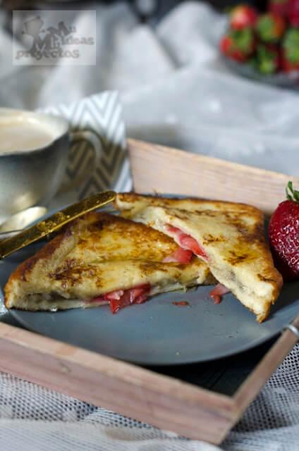 tostadas-francesas-rellenas-fresas-platano5
