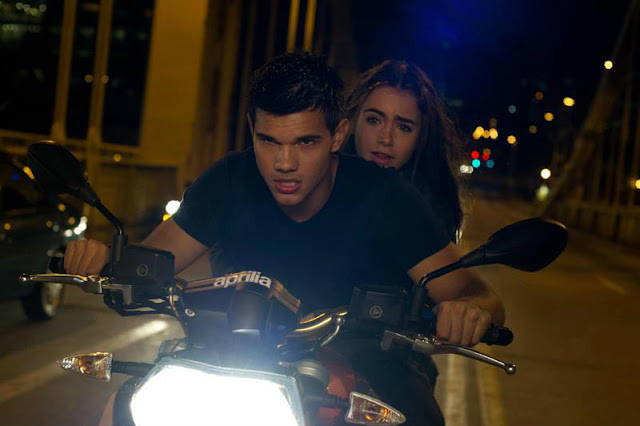 'Abduction' - Taylor Lautner Goes on the Run in Exciting Thriller. A review of the 2011 thriller; Lily Collins co-stars. All review text © Rissi JC