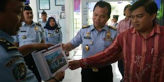 Unit layanan paspor Banyuwangi.