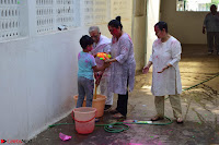 Gulzaar Celeting Holi at his Home 13 03 2017 007.JPG