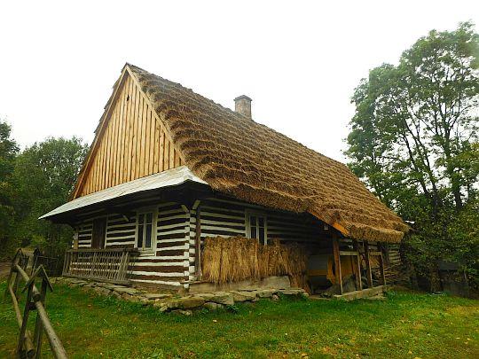 Zabytkowa chyża w Olchowcu, Muzeum Kultury Łemkowskiej.