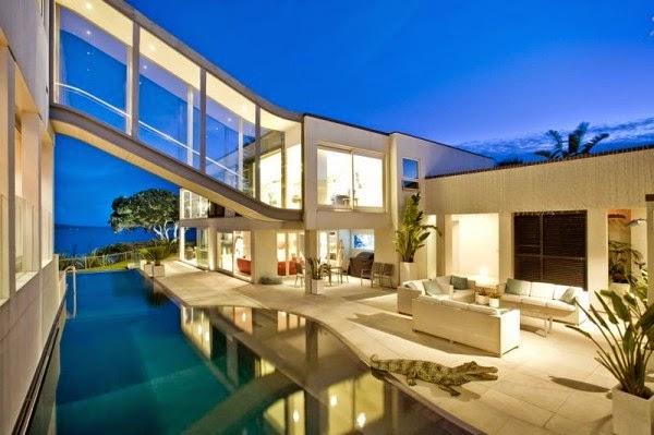 hogares frescos elegante casa junto al mar con una