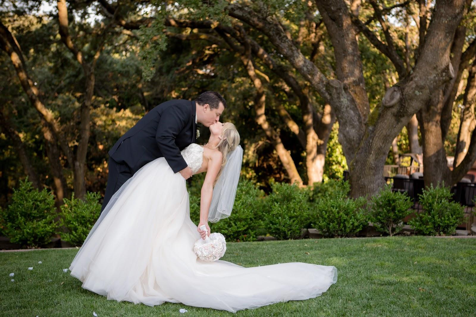 Bride and groom - dip kiss