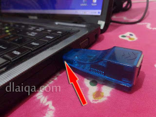 hubungkan adapter ke port USB
