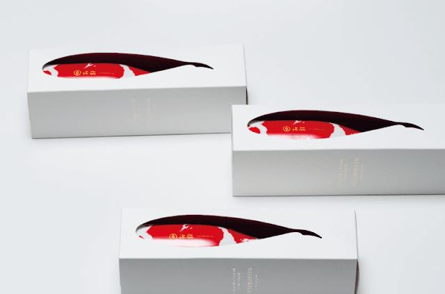 錦鯉の模様をした日本酒 「錦鯉 NISIKIGOI」外国人旅行者にオススメ?日本の面白いデザインの商品7選【i】