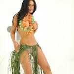 Andrea Rincon, Selena Spice Galeria 13: Hawaiana Camiseta Amarilla Foto 111