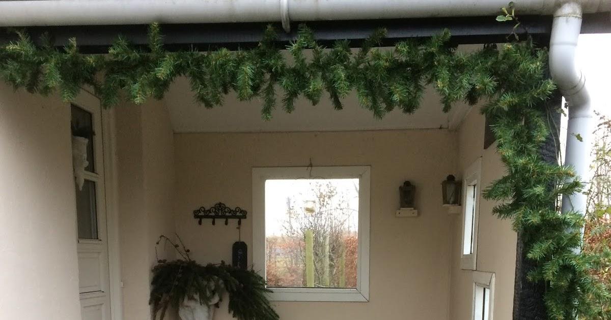 Frk hall: julepynt udendørs