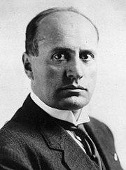 Teror Mussolini kepada timnas italia