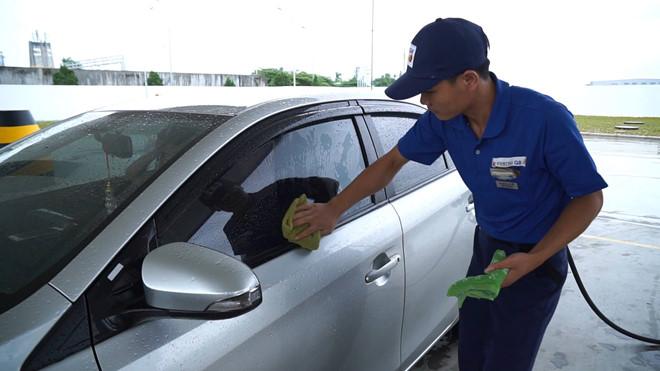 Nhân viên Siêu thị Vật Tư, Nội Thất Giá Tốt eNoiThat.vn cố gắng làm bất cứ gì miễn giúp ích cho Khách Hàng