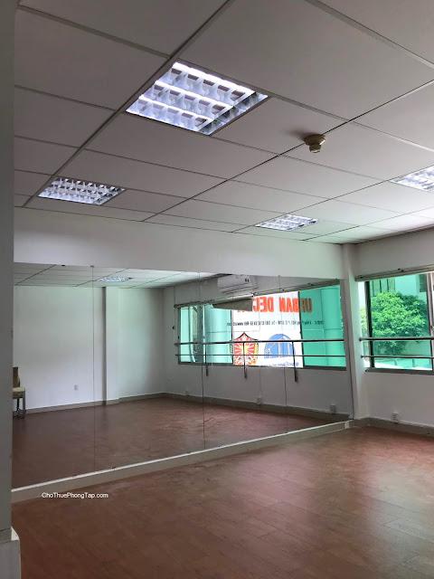 Cho thuê phòng tập nhảy Quận 10 - số 781 Lê Hồng Phong - 1