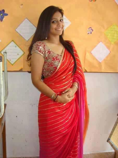Amazing Indian Aunties Picture With Transparent Silk Saree -6562