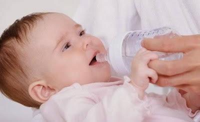 lượng nước mỗi ngày cần cho trẻ