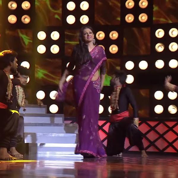 Shobhana latest hot photos in saree from D3 Dance