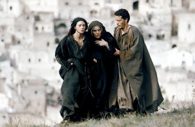 Monica Bellucci, Maia Morgenstern and Hristo Jivkov in The Passion of the Christ