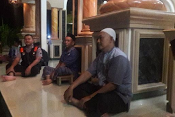 Bhabikamtibmas Ikuti Tarawih dan Tadarus di Mushola