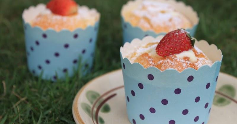 GoodyFoodies: I Baked: Hokkaido Chiffon Cupcake