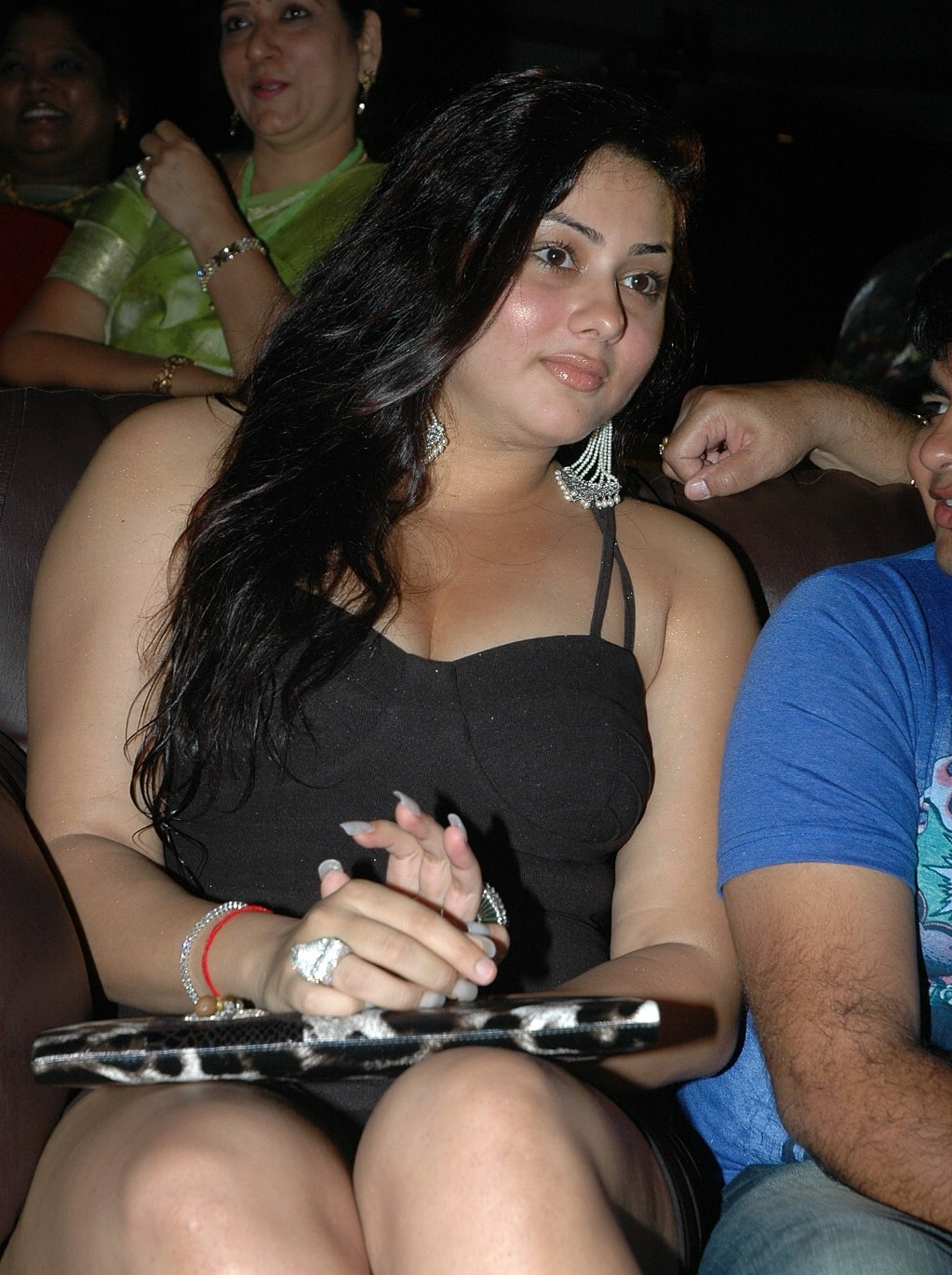 Namitha Kapoor Hot Hd Wallpapers  Entertainment Exclusive -8425