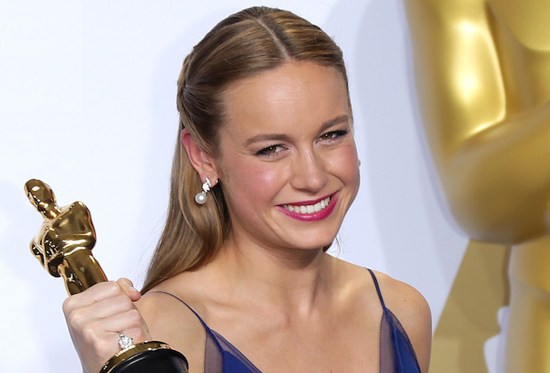 Brie Larson HD Sexy With Oscar Award Images