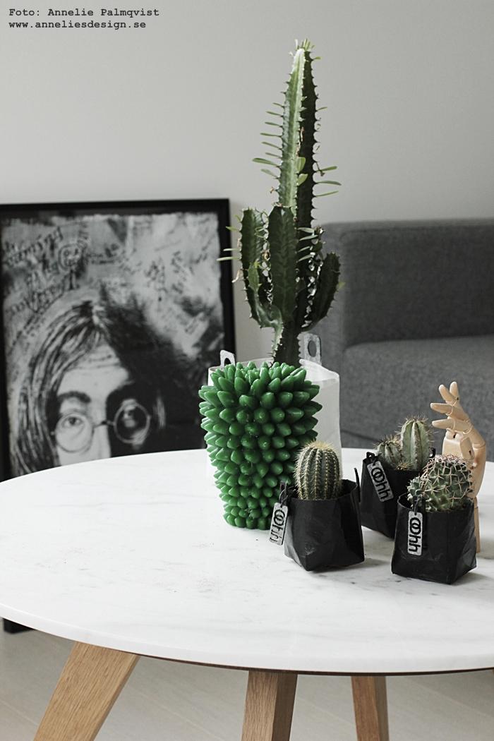 kaktus, stearinljus, kaktusar, ljus, &klevering, webbutik, webbutiker, webshop, inredning, inredningsdetaljer, grönt, grön, gröna, små krukor till minikaktusar, minikaktus, Oohh kruka, krukor, lennon, tavla, tavlor, svart och vitt, soffa, bäddsoffa, annelies design,