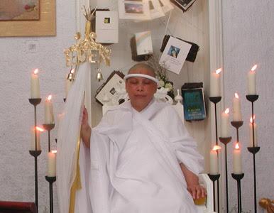 Lia Eden Penista Agama