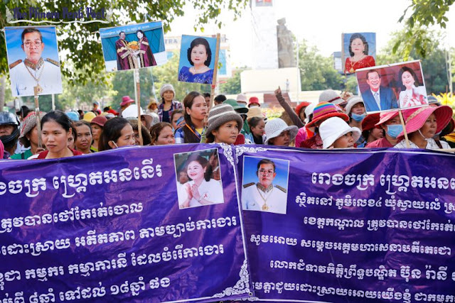 Garment workers protest in central Phnom Penh earlier this week after their employer closed its factory in Kandal province. Pha Lina