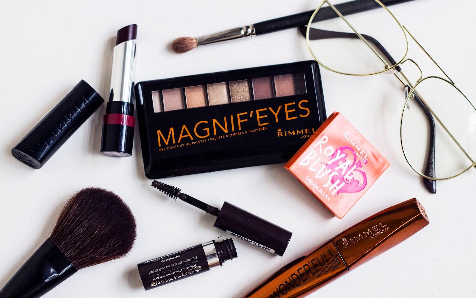 Yo prefiero usar colores en los labios y neutros en los ojos así que la paleta Magnif´Eyes Eyeshadow es lo mejor porque además puede adaptarse para looks de ...