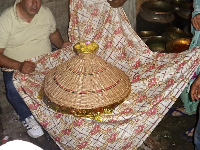 life, love, kashmir, nishane, nishaani, nishani, engagement, wazwan, kashmiri, waza, vaste waza, feast, banquet,