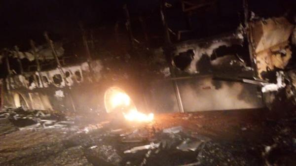 Cerro Corá: vândalos voltam a incendiar ônibus Escolar