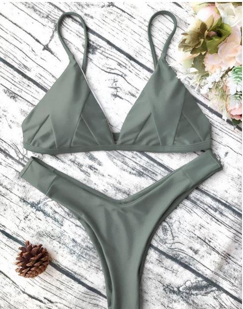 www.zaful.com/soft-padded-cami-bikini-set-p_271546.html?lkid=61388