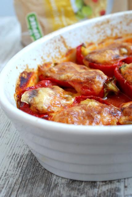 papryka nadziewana, czym nadziać paprykę,kupiec zdrowa radosc zycia,ambrasadorkupiec,z kuchni do kuchni,wegetarianskie dania z piekarnika,dania warzywne, kasza jaglana,platki jaglane,kasia franiszyn luciano