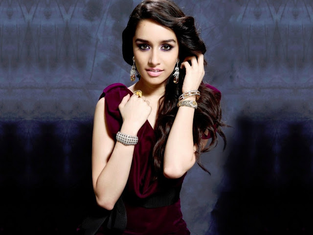 Shraddha Kapoor Stunning Hot And Sexy Latest Pics.Hot Bollywood Actress Shraddha Kapoor's All Time Sexy N Stunning Pics