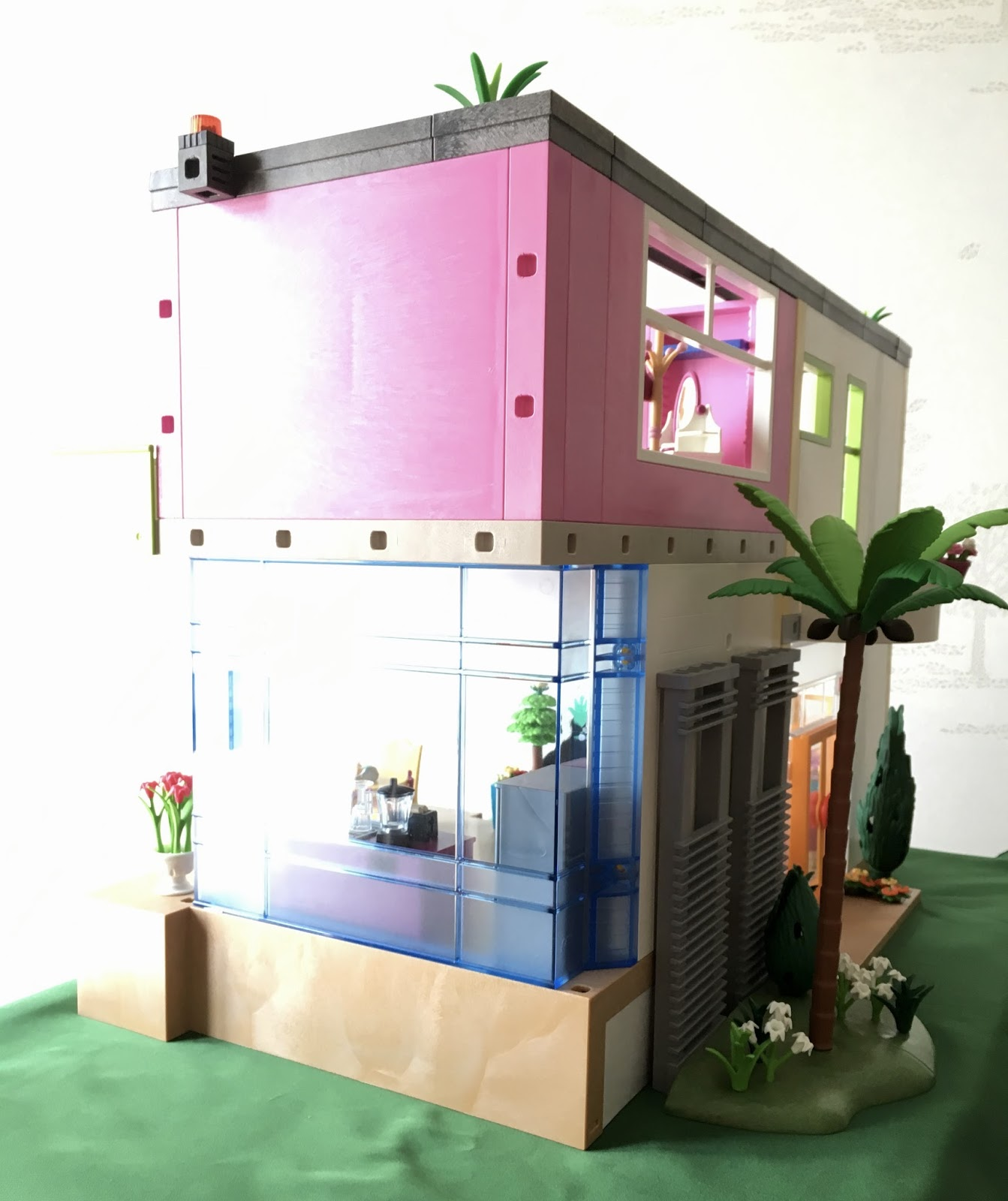 playmobil custom buildings dazzling villa. Black Bedroom Furniture Sets. Home Design Ideas