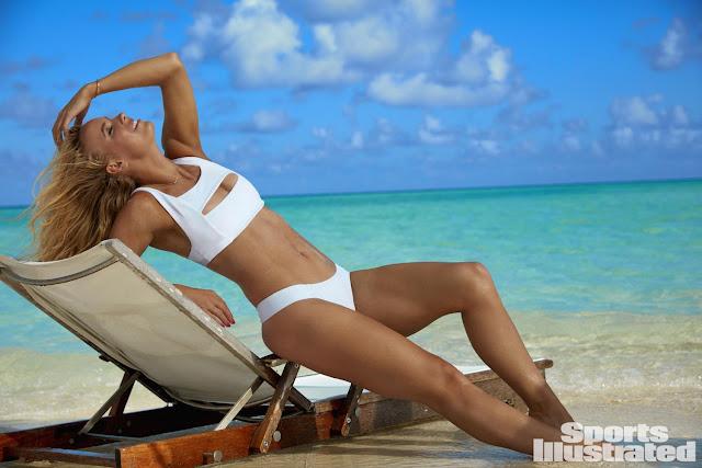 Η φωτογράφιση της Caroline Wozniacki για το λογαριασμό του Sports Illustrated