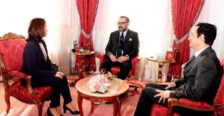 الملك محمد السادس يستقبل المديرة الجديدة لصندوق الحسن الثاني ومدير صندوق إثمار الموارد
