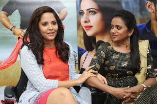 Actress Suma in Black Salwar Suit and Anusuya in orange Dress at winner movie press meet part 2 February 2017 (44).JPG