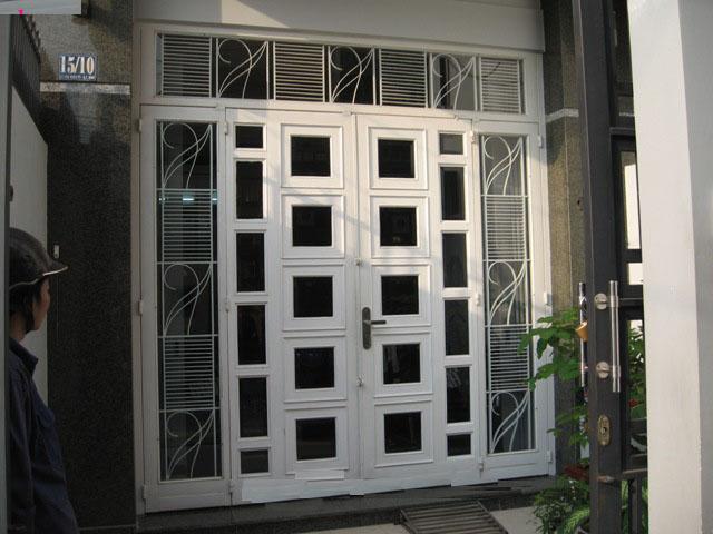 cửa sắt 2 cánh hộp