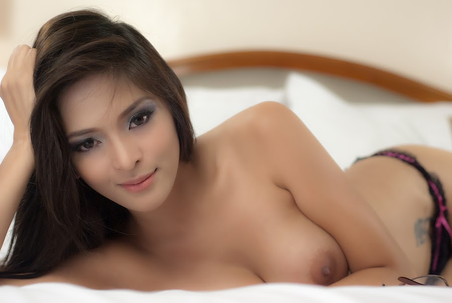 Sexy indonesian girl nude