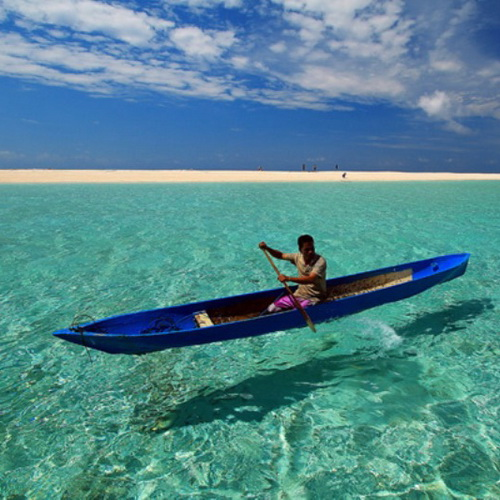 Tinuku Travel Wakatobi National Park, paradise islands and atolls line in Coral Triangle for diving and snorkeling