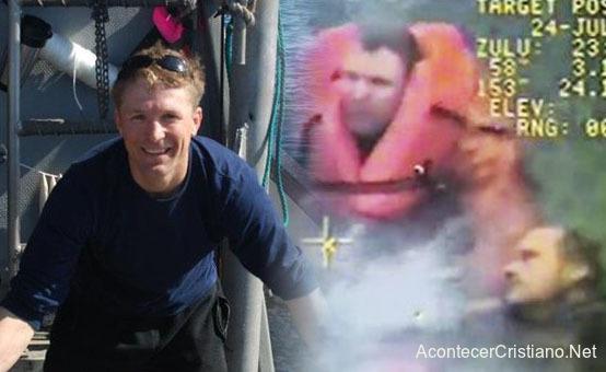 Rescate de un pescador que se ahoga en el mar