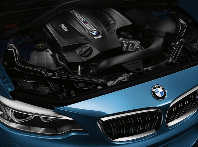 2017 BMW M2 Coupe Performance Review