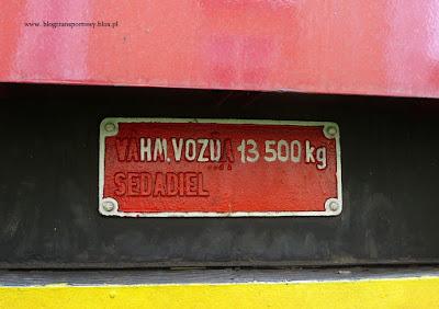 Tabliczka na wagonie serii Btu