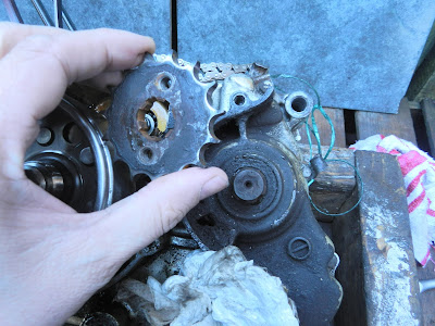 Honda CBR 125 sprocket removal replacement ( chain sprocket )