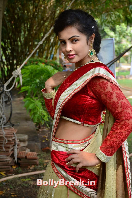 Hashika Dutt Images, Actress Hashika Dutt hot Pics in low waist saree