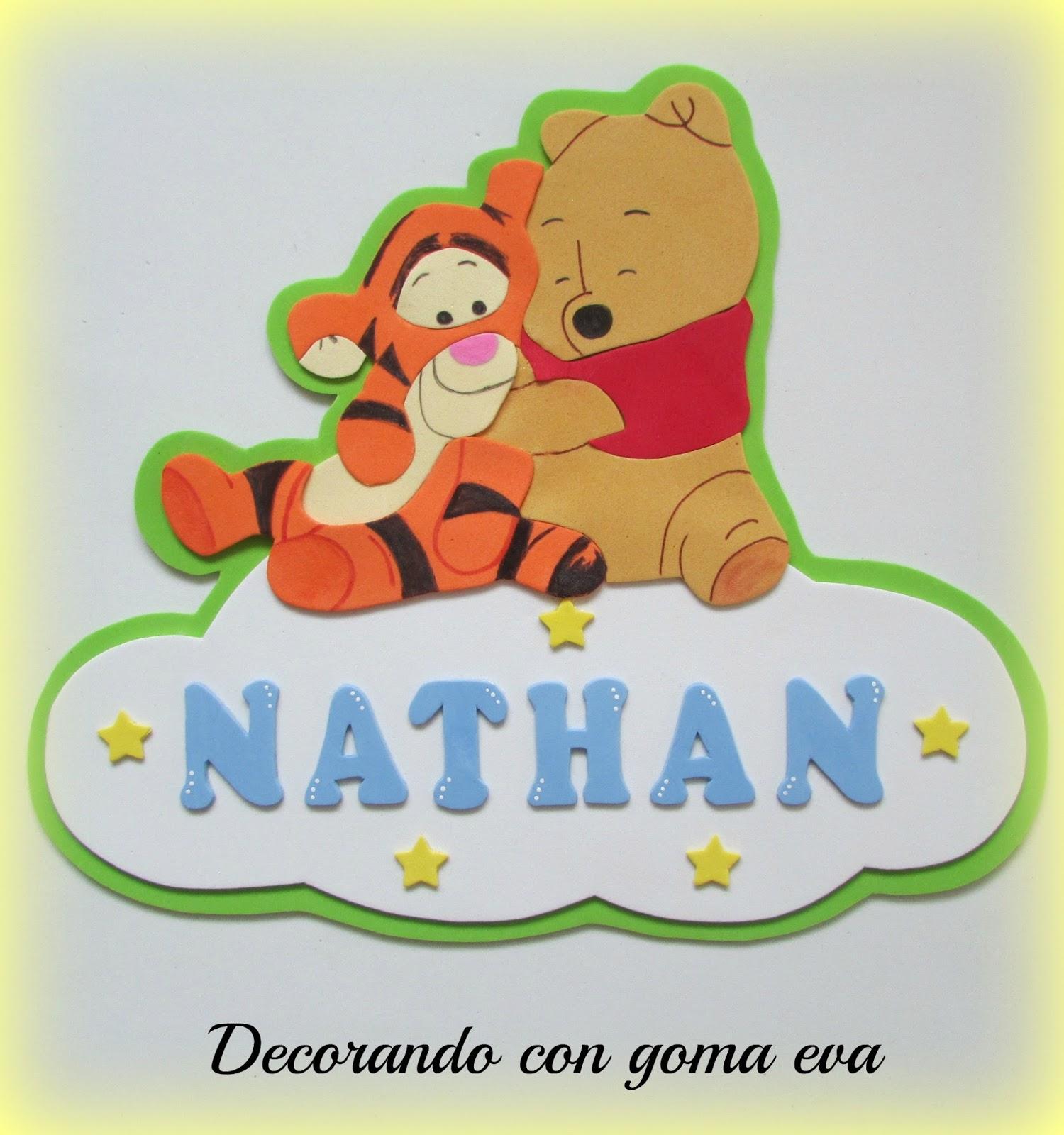 Decorando con goma eva cartel para la puerta con winnie - Habitacion winnie the pooh ...