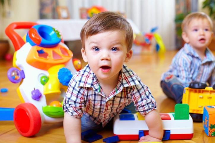 Lựa chọn đồ chơi mầm non cho con như thế nào?