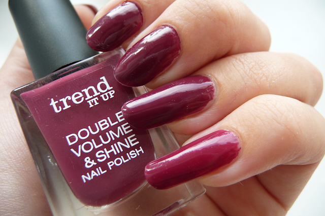 Lak na nehty Trend it Up - Double volume & Shine odstín 260 swatch recenze