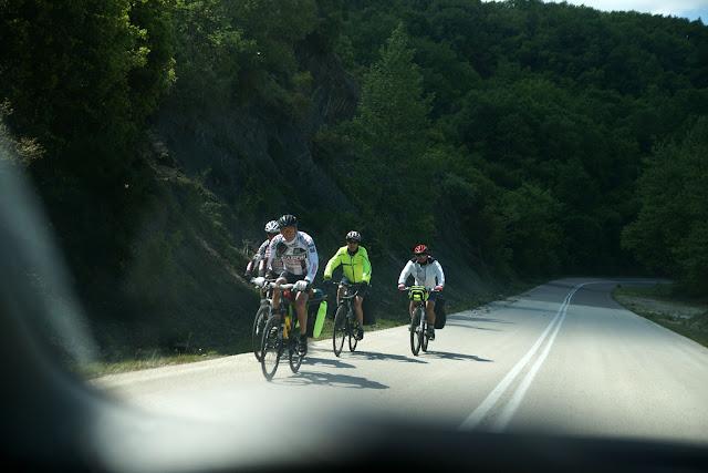 Ήγουμενίτσα: Ξένοι κάνουν ποδηλατικό τουρισμό στην παλαιά εθνική οδό Ηγουμενίτσας-Ιωαννίνων