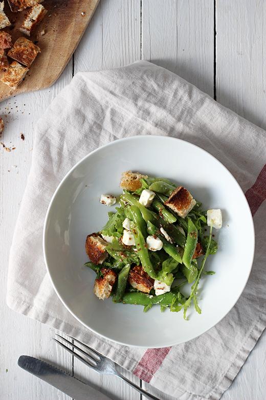 Sommerrezept, Bohnen-Brot-Salat mit Feta und Rucola, Holunderweg18