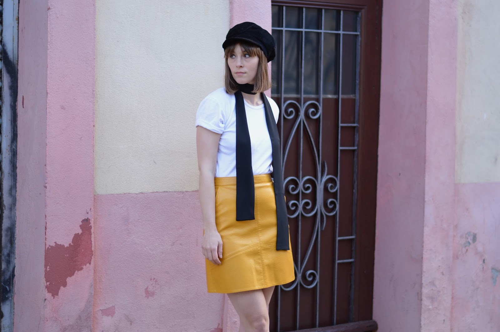 How to style a sixties yellow skirt and baker boy cap